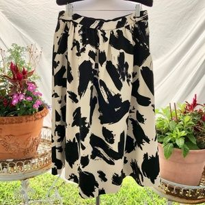 H&M Black and Beige Skirt with Pockets